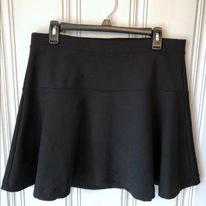 Old Navy L Black mini skirt.